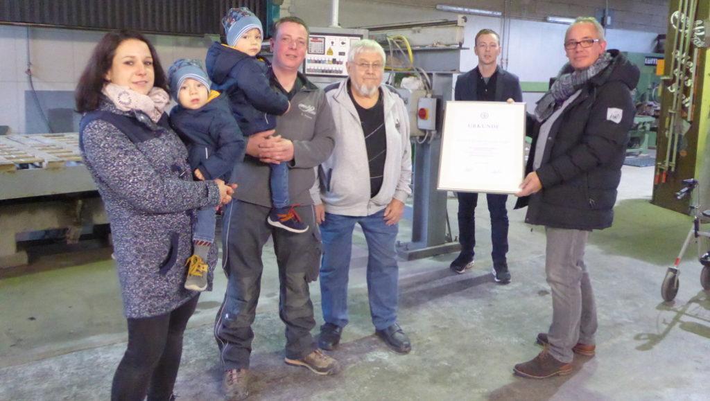 Die Steinmetz & Bildhauer-Innung KH, BIR und SIM gratuliert dem Steinmetzbetrieb Ketzer & Kessel zu seinem 100-jährigen Jubiläum.