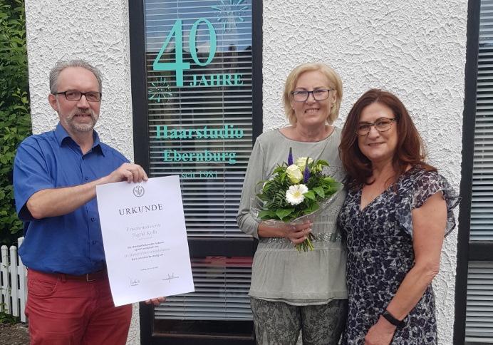 Sigrid Kolb ist seit 40 Jahren Friseurmeisterin in ihrem Salon